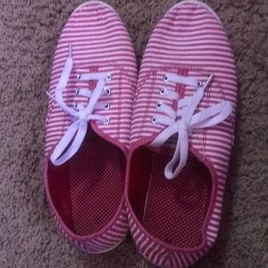 Shoes - Skippies